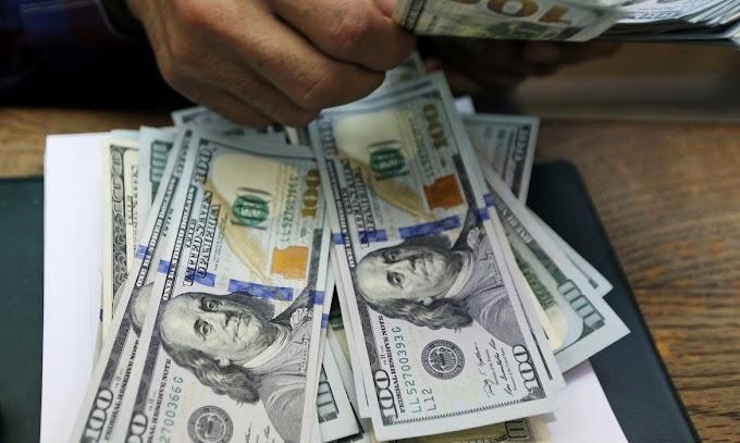 Dólar fecha a R$ 5,60 e sobe 2,39% em fevereiro