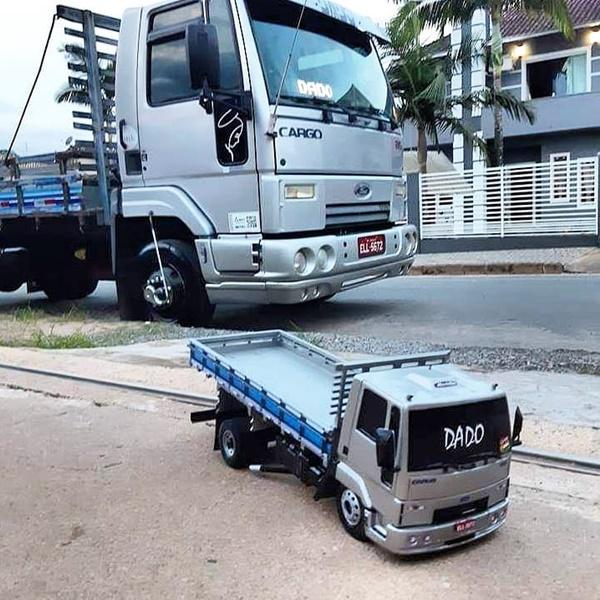 miniatura caminhao ford cargo