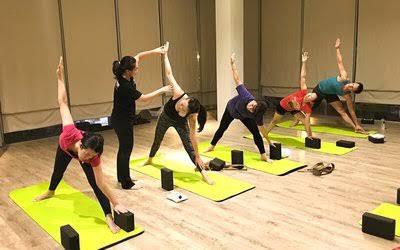 kelas yoga di depok