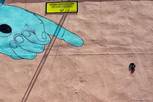 Mural En el Punto de Mira, por Grip Face - Bilbao, por El Guisante Verde Project