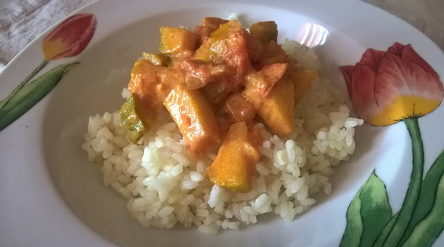 Curry di verdure con riso