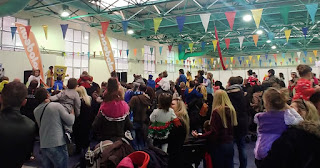 Δεκάδες χιλιάδες παιδιά και όχι μόνο διασκέδασαν δωρεάν στις αποκριάτικες εκδηλώσεις του Δήμου Περιστερίου