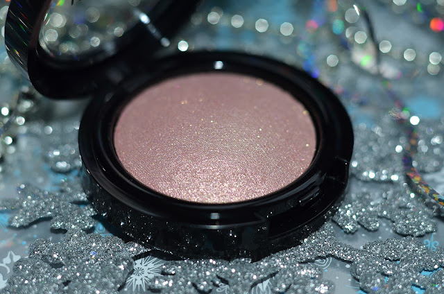 Inglot GLOW OUT Intense sparkles   face eyes body highlighter   # 12