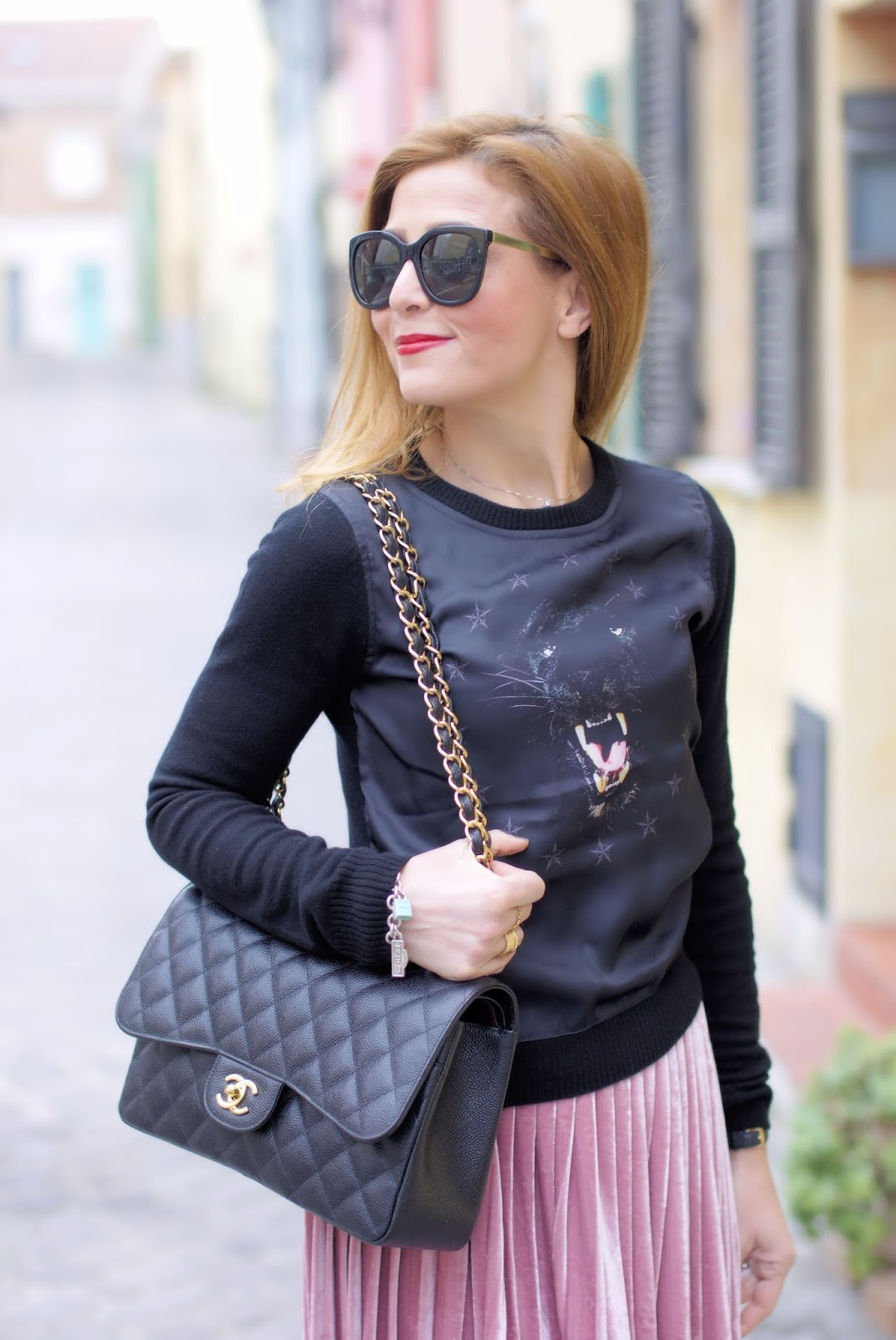 Cesare Paciotti sweater, Chanel 2.55 caviar on Fashion and Cookies fashion blog, fashion blogger style