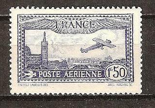 France Plane over Notre Dame