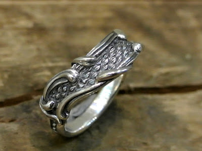 Legio Made - Scale & Arabesque Ring