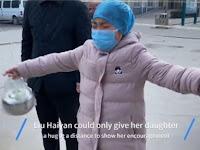 Viral! Video Haru Seorang Perawat Corona Memeluk Jauh Putrinya di Wuhan