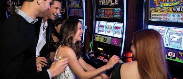 Frauen im Casino