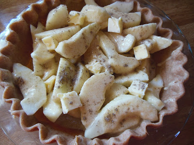 Chunky pear slices make a delicious Pear Creme Pie.