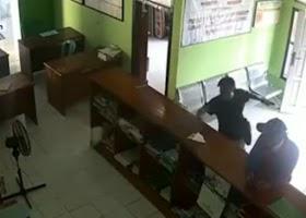 Ngamuk Di Kantor Desa, Dua Wartawan Gadungan Di Tangkap Polisi