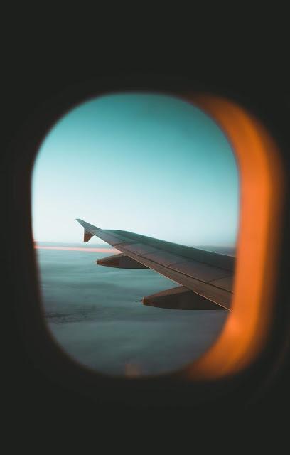 رمزية نافذة طائرة فوق السحب للتصميم بدون حقوق العدد 12