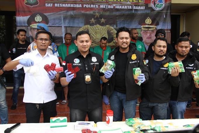 Bongkar Sindikat Internasional Penyuplai Jaringan, Polres Metro Jakarta Barat Amankan 23,6 Kilo Narkoba Jenis Sabu.