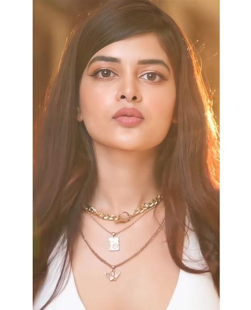 Love Aaj Kal Porshu Movie Actress Madhumita Sarcar Cute and Hot Photos Actress Trend