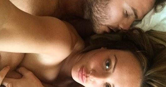 Charlotte Publica Un Selfie Con Mitch En La Cama Desnudos Geordie