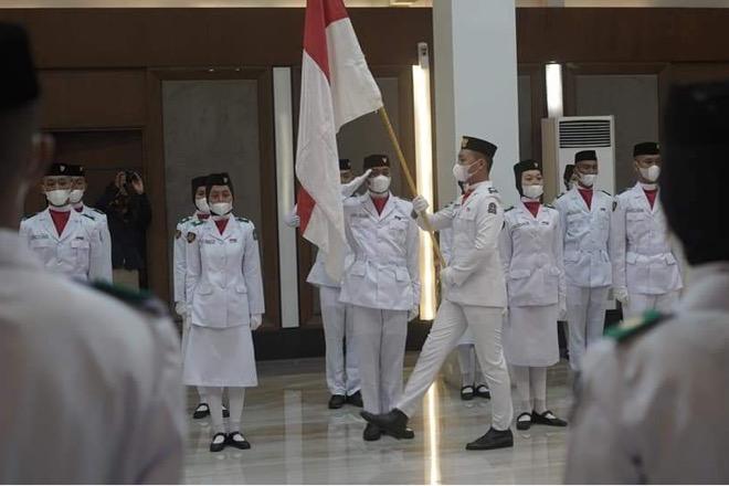 Jelang Upacara 17 Agustus, Bupati Bone Kukuhkan 71 Anggota Paskibraka