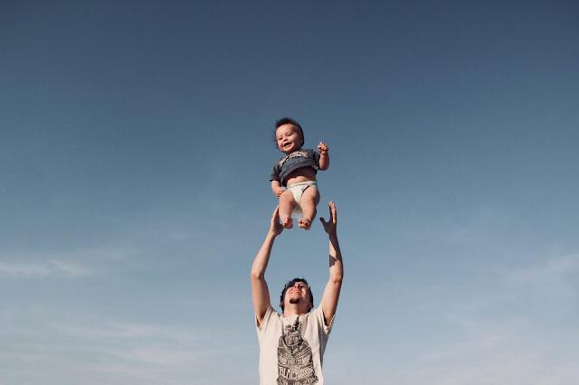 Tips Keamanan Penting Dalam Merawat Bayi
