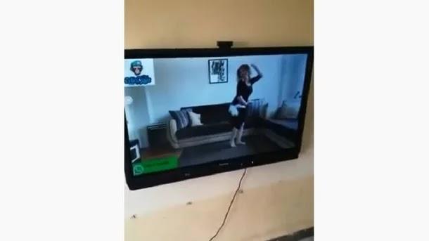 مصر.. راقصة تتسبب في إقالة مدير مدرسة وفصل 22 طالبا
