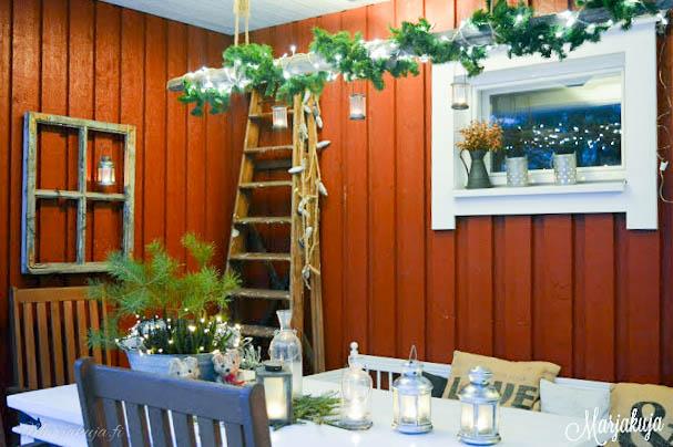 Terassi joulu karrynpyora kynttilät tuikut valot havut