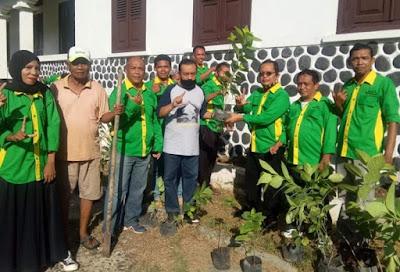 Jajaran Dinas Perkim Bantu Penataan Taman di Museum Asi Mbojo