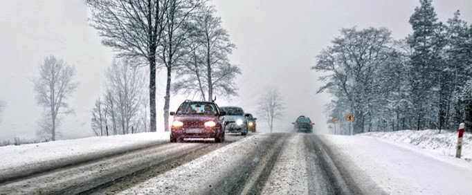 How to Stay Safe While Driving in Snow or Icy Weather