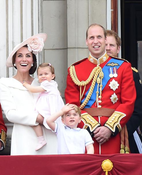 Для дочки Кейт Міддлтон і принца Вільяма, маленької принцеси Шарлотти парад став першим офіційним виходом у світ