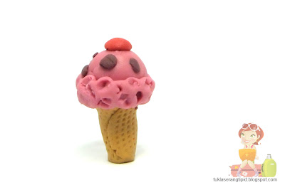 clay strawberry ice cream cone food sweet desert handcrafts arts creative DIY