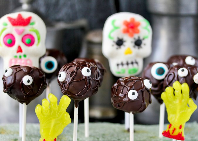 Monster Cake Pops with marshmallow dia de los Muertos
