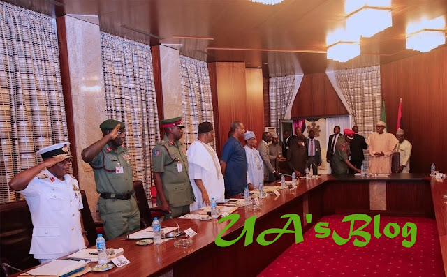 President Buhari reveals resolution of security meeting with service chiefs