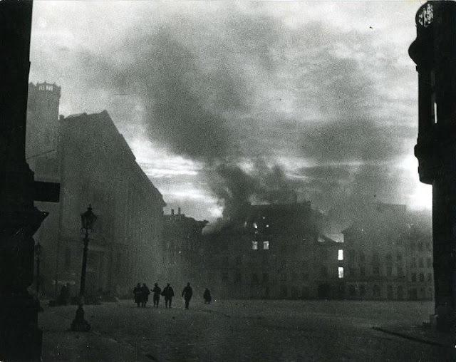 Октябрь 1944 года. Домская площадь. Освобожденная Рига (фото: Сергей Коршунов