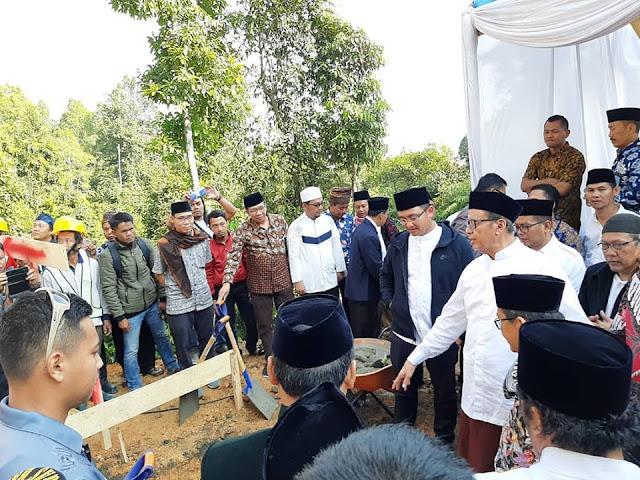 Peletakan Batu Pertama Oleh Gubernur dan Wakil Gubernur Banten