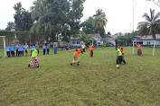 """Sepak Bola """"Sarung"""" Meriahkan HUT RI ke-75 di Lanud Sam Ratulangi"""