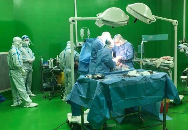 Sản phụ mắc Covid-19 'vượt cạn' thành công ở bệnh viện dã chiến