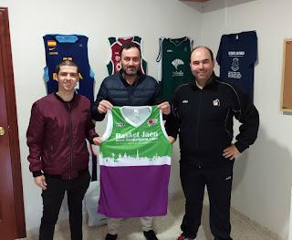 La empresa VIVE regala equipaciones a BASKET JAÉN en su estrecha colaboración con el baloncesto jiennense y andaluz
