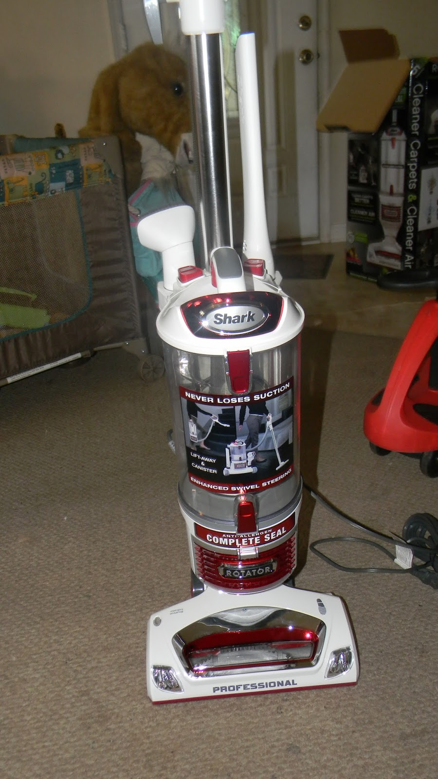 New Age Mama Shark Rotator Lift Away 174 Upright Vacuum
