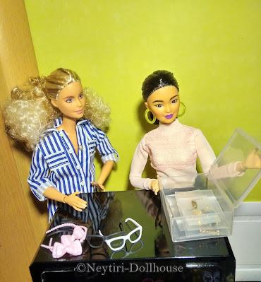 Barbie doll BMR Kira accessories