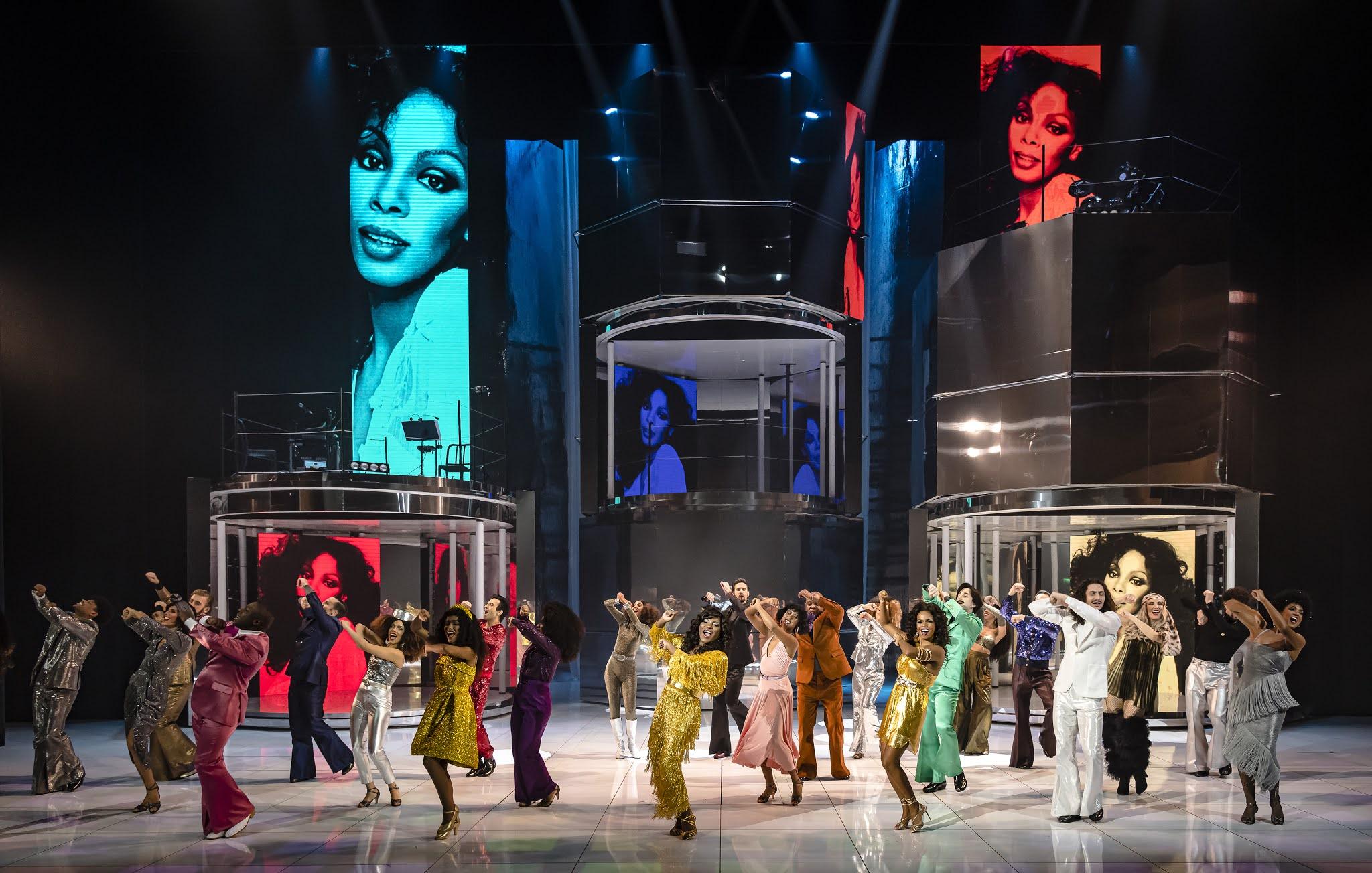 Donna Summer Musical com direção de Miguel Falabella confirma nova temporada em março