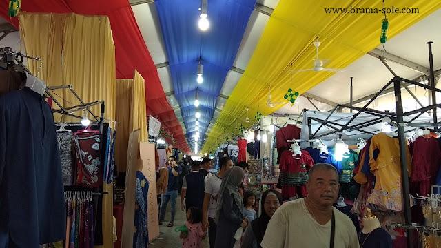 Suasana Bagian dalam Pasar Ramadan Di Dataran Merdeka