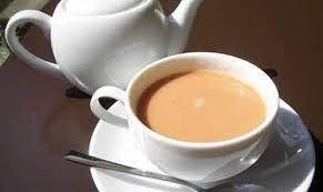 تحذير هام لعشاق الشاي باللبن