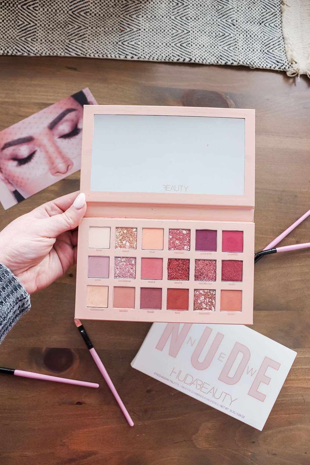 XO, Noelle reviews the HUDA Beauty The New Nudes Palette