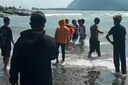 2 Orang Tergulung Ombak di Pantai Jember, Bapaknya Tewas, Anak Dalam Pencarian