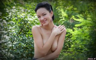 Ordinary Women Nude - Loreen%2BA-S01-009.jpg