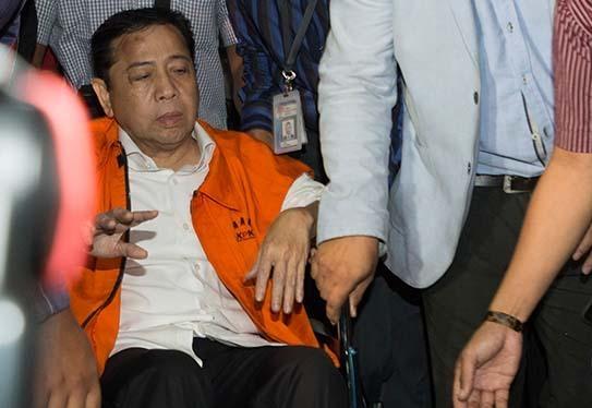 Pakai Rompi Oranye Setya Novanto Ditahan di Rutan KPK