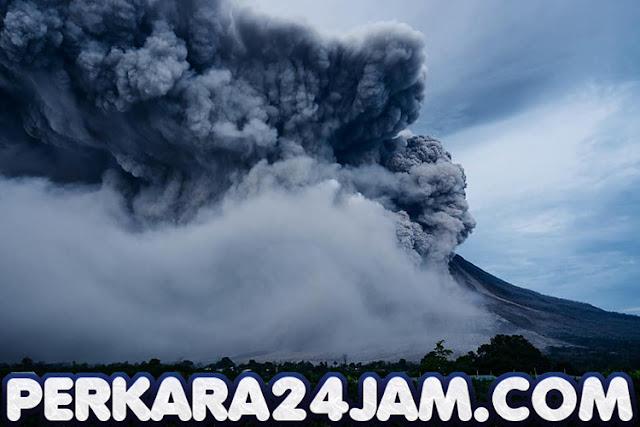 Gunung Sinabung Tanggal 19 Agustus 2020 Malam Kembali Erupsi