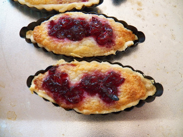 Cranberry Cream Cheese Tarts