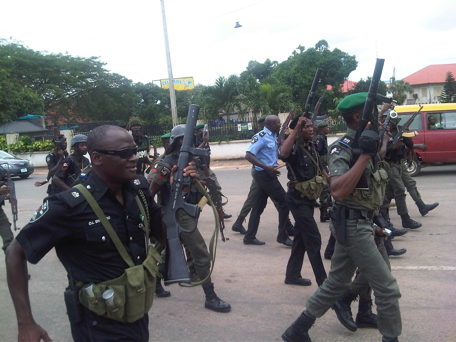 FG recruits 500,000 volunteers for community policing