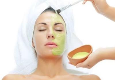 Cara mencerahkan kulit kusam secara alami dengan lidah buaya aloe vera