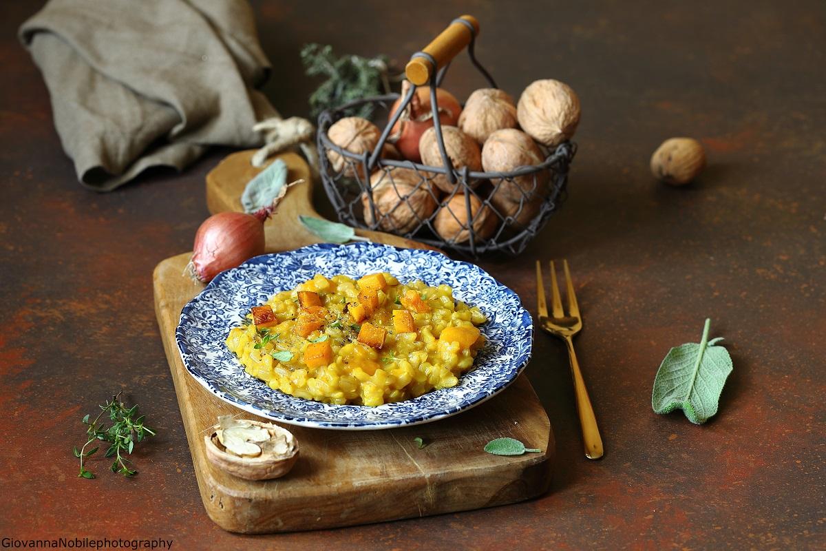Risotto con la zucca, gorgonzola e funghi secchi