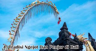 Tradisi Ngejot Dan Penjor di Bali merupakan salah satu tradisi unik saat natal yang hanya terjadi di Indonesia