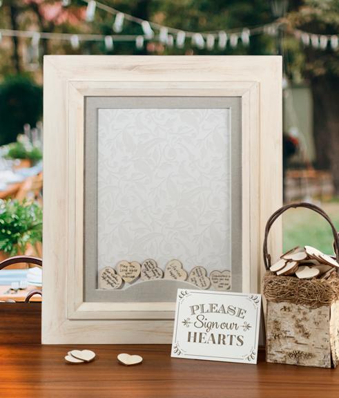 tables en f te des id es de livre d 39 or pour un mariage rustique. Black Bedroom Furniture Sets. Home Design Ideas