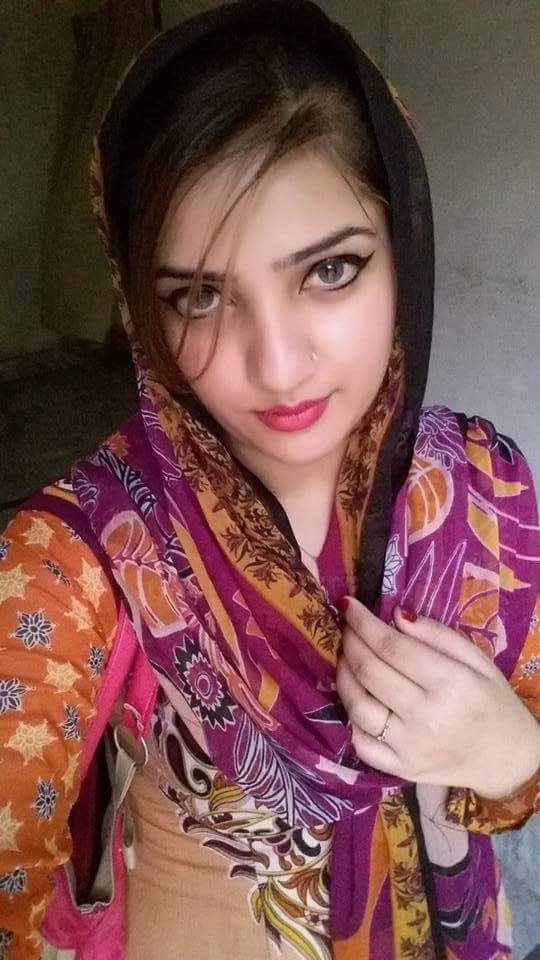 Pakistani Housewife  Unseen Photos-5463